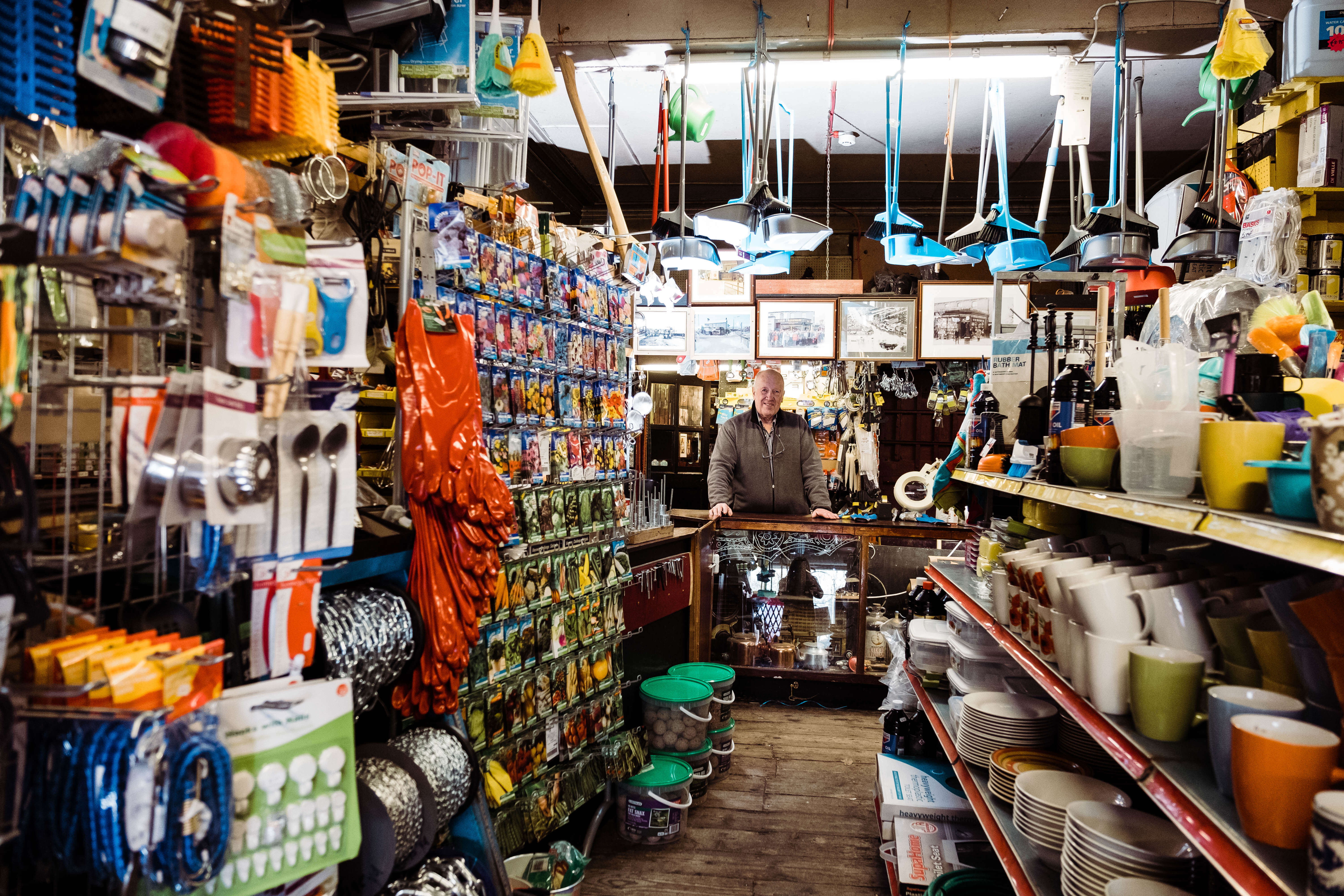 Edge Hardware Store, environmental portraits, photography portraits